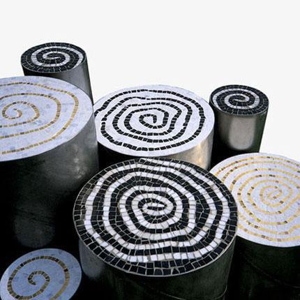 tavolini in mosaico e acciaio