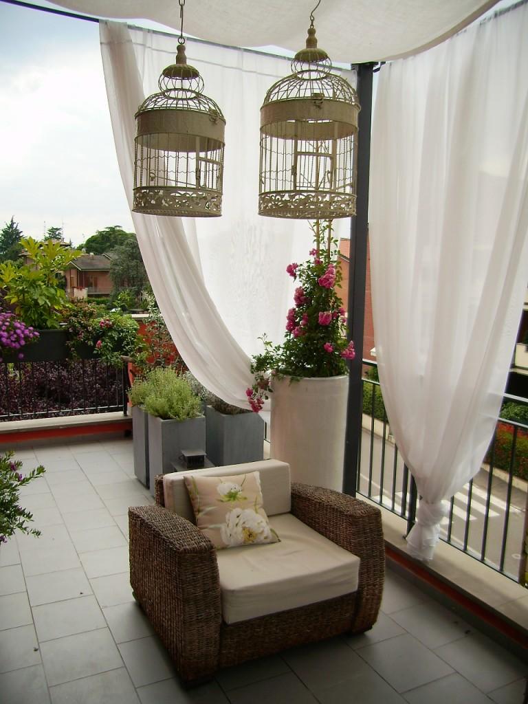 Arredo di un terrazzo ecclettico montale rangone mo - Oggetti in legno per la casa ...